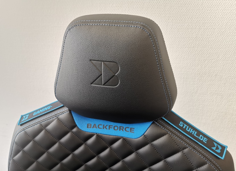Backforce One Kopfstütze mit personalisiertem Patch