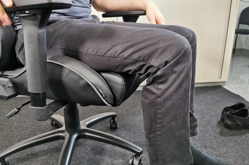 Bei 189cm ist die Sitzfläche im Test tief genug
