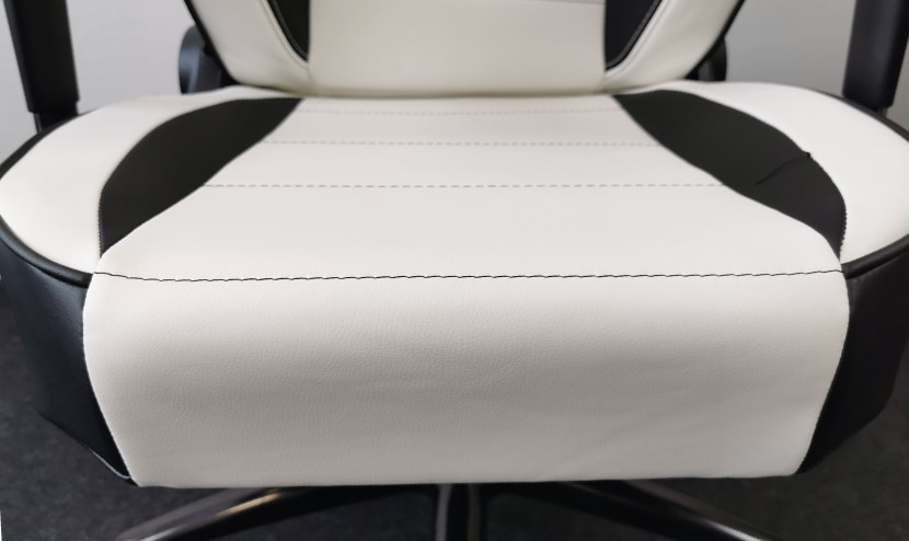 Flache Seitenwangen an Sitzfläche ='' viel Platz