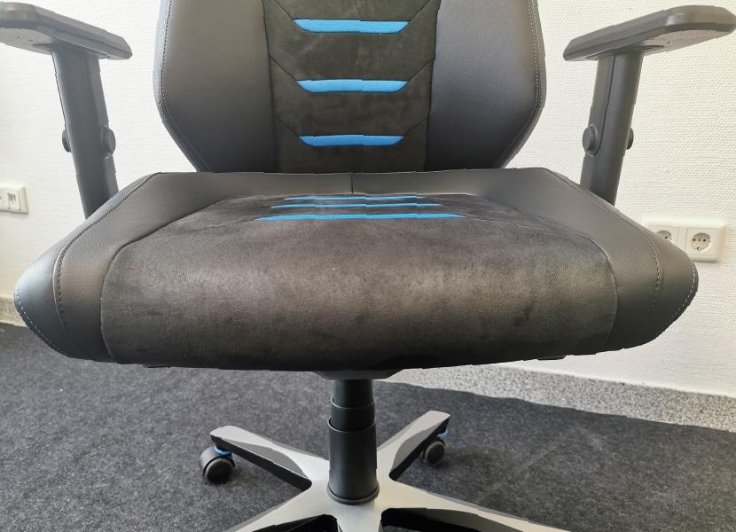 Flache Seitenwangen auf der Sitzfläche