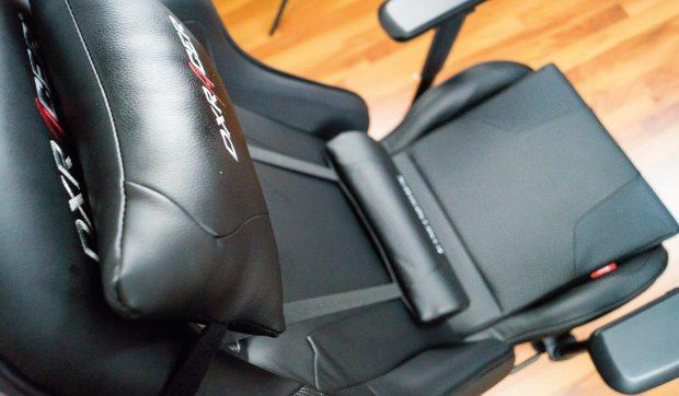 Lenden- und Nackenkissen sowie Rückenlehne und Sitzfläche der King Serie.