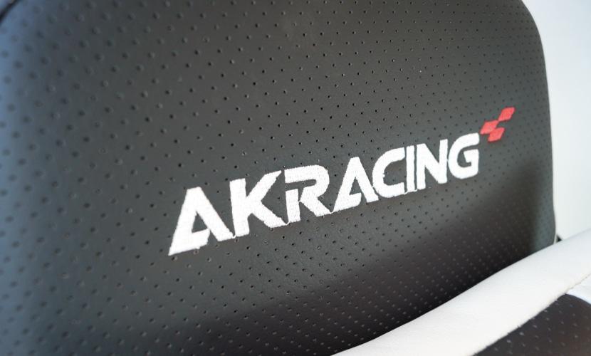 Logo auf Rückenlehne