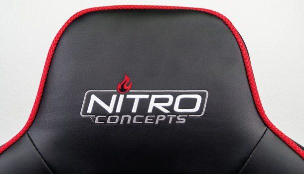Logo-Applikation auf der oberen Rückenlehne.