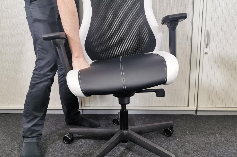 Sitness Gelenk für 3D-Sitzen demonstriert