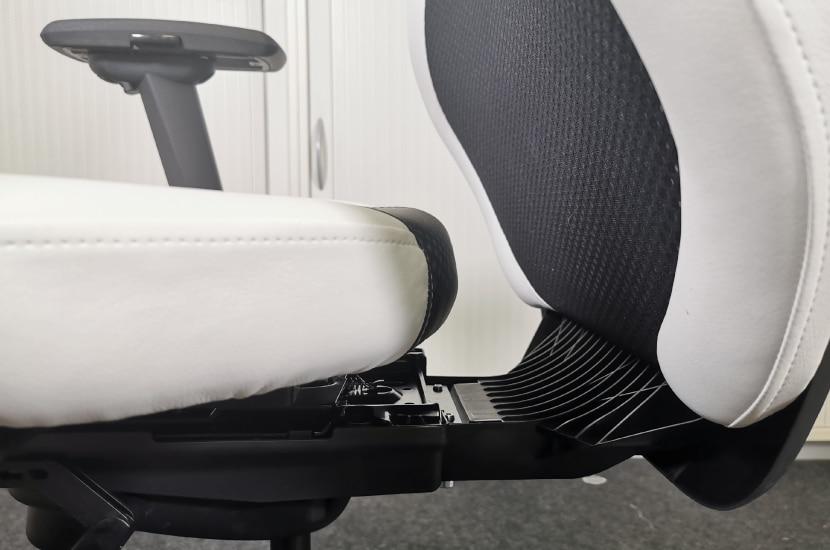 Sitzfläche des RS Sport bei maximaler Sitztiefe