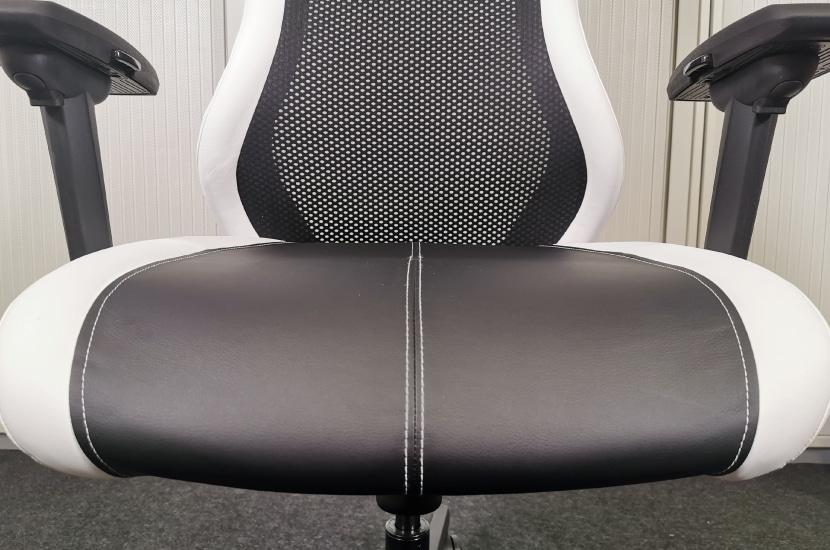 Sitzfläche ohne Seitenwangen