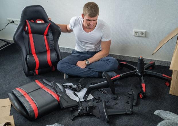 billig vs epic lohnt sich ein teurer gaming chair. Black Bedroom Furniture Sets. Home Design Ideas